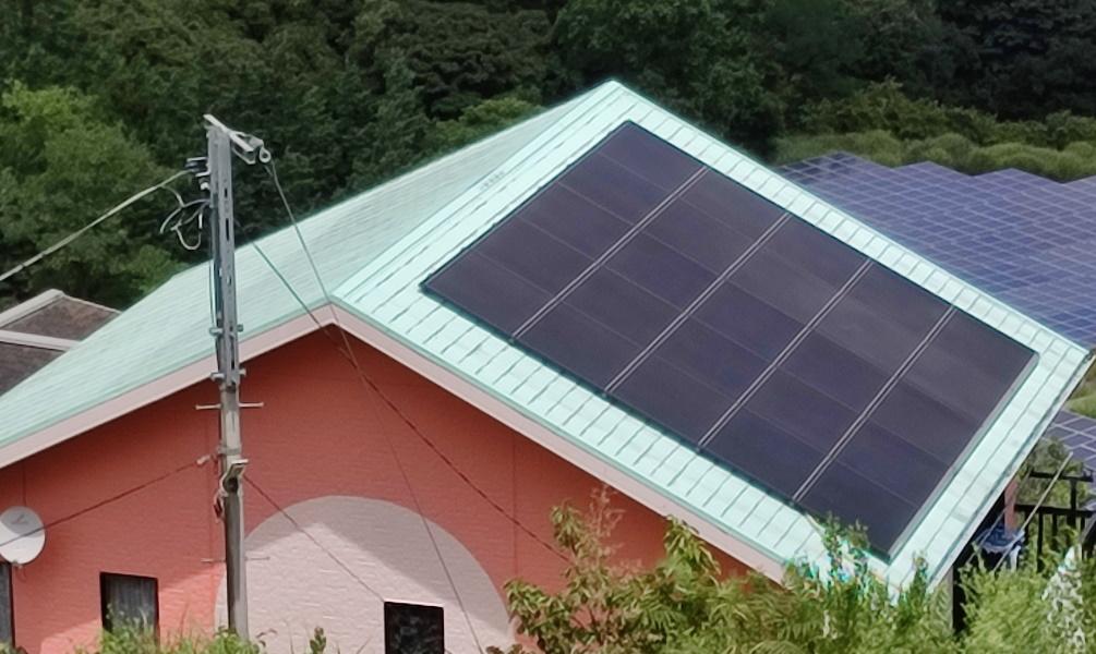 屋根塗装と太陽光パネル